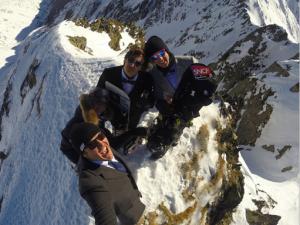 Vicomte Arthur et nos champions olympiques célèbrent la nouvelle année à la montagne.